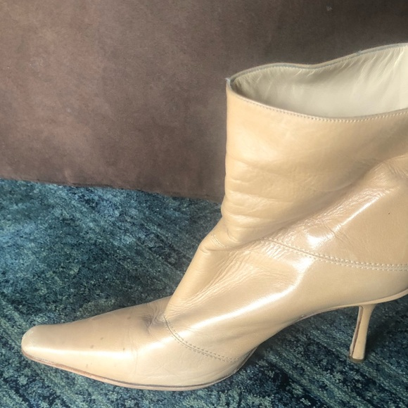 5960ec8338 Shoes | Gorgeous Jimmy Choo 39 Beige Leather Ankle Boots | Poshmark